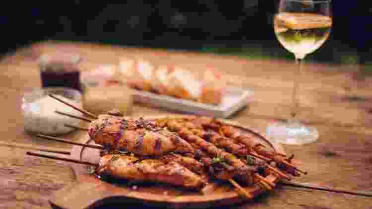 Carnes de frango e suínas não ficam de fora dessa harmonização perfeita - Getty Images - Getty Images