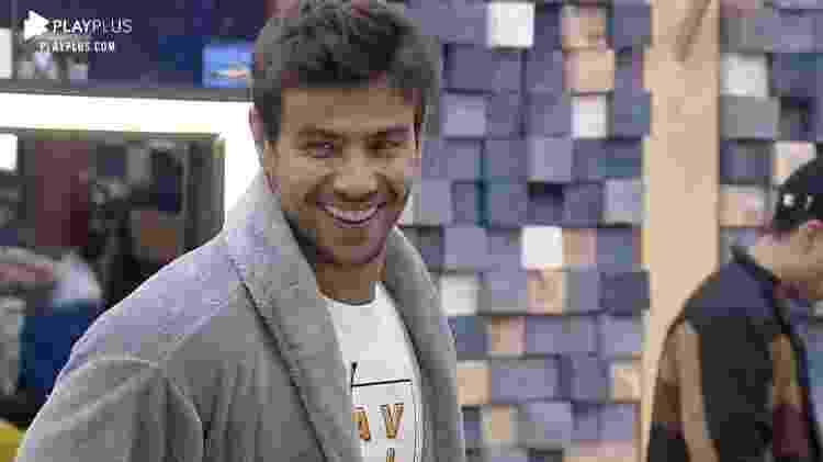 Mariano fala se beijaria Jake - Reprodução/RecordTV - Reprodução/RecordTV