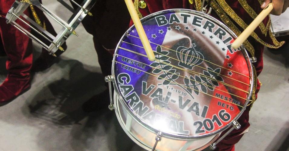 7.fev.2016 - A bateria da Vai-Vai. A atual campeã do Carnaval paulista homenageou a França em seu enredo.