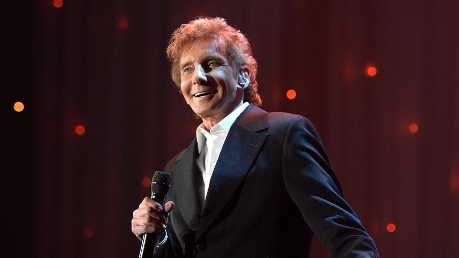 O cantor americano Barry Manilow  - Getty Images