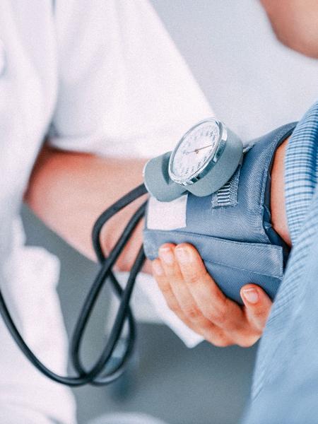 A pressão alta pode prejudicar a memória, causar insuficiência renal e até cegueira - Getty Images