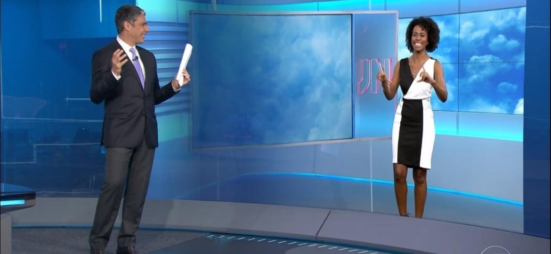 William Bonner comemora que telespectador gravou vídeo na horizontal - Reprodução/TV Globo