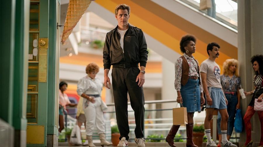 """Chris Pine como Steve Trevor em cena de """"Mulher-Maravilha 1984"""" - Divulgação"""