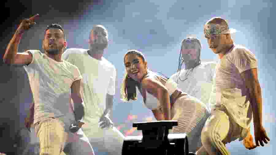 Anitta canta na terceira noite Festival Virada Salvador - João Alvarez/UOL
