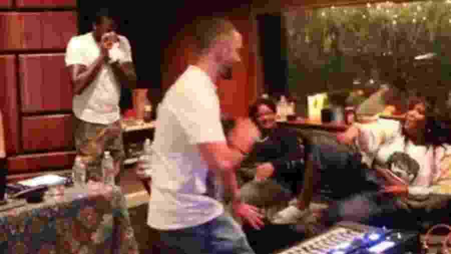 Dupla esteve junta em estúdio, segundo post do cantor na noite de ontem - Reprodução