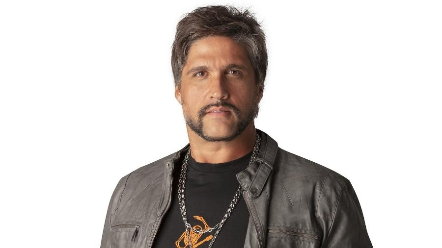 O cantor Léo, agora em carreira solo e com acento no nome  - Divulgação