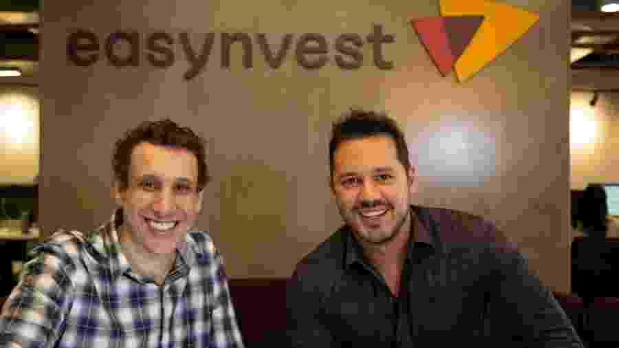 """Samy Dana e Dony de Nuccio, """"heads"""" (editores-chefe) da Easynvest, corretora e plataforma de investimentos - Divulgação"""