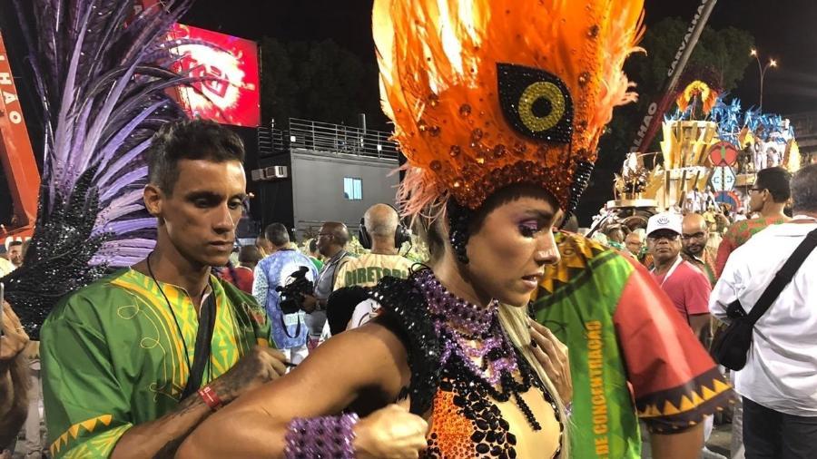 Monique Alfradique na concentração antes de desfilar pela Grande Rio - Herculano Barreto Filho/UOL