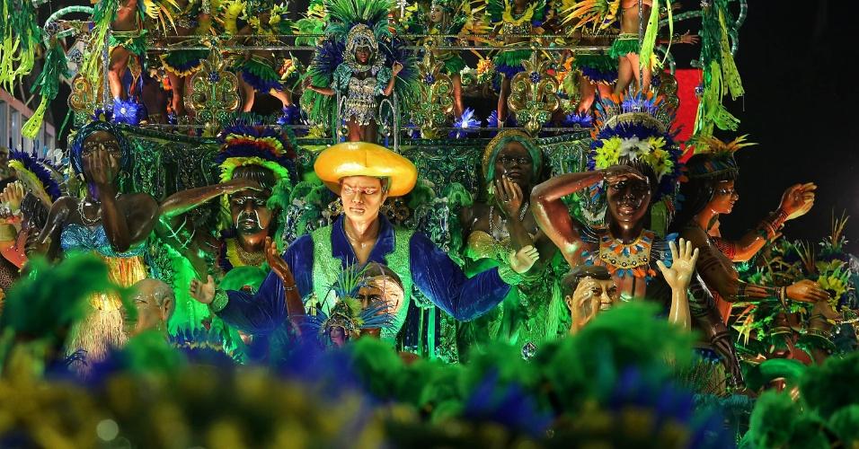 8.fev.2016 - A faceta artística de Marquês de Sapucaí, que era músico, poeta, compositor e professor também ganhou espaço no desfile Beija-Flor