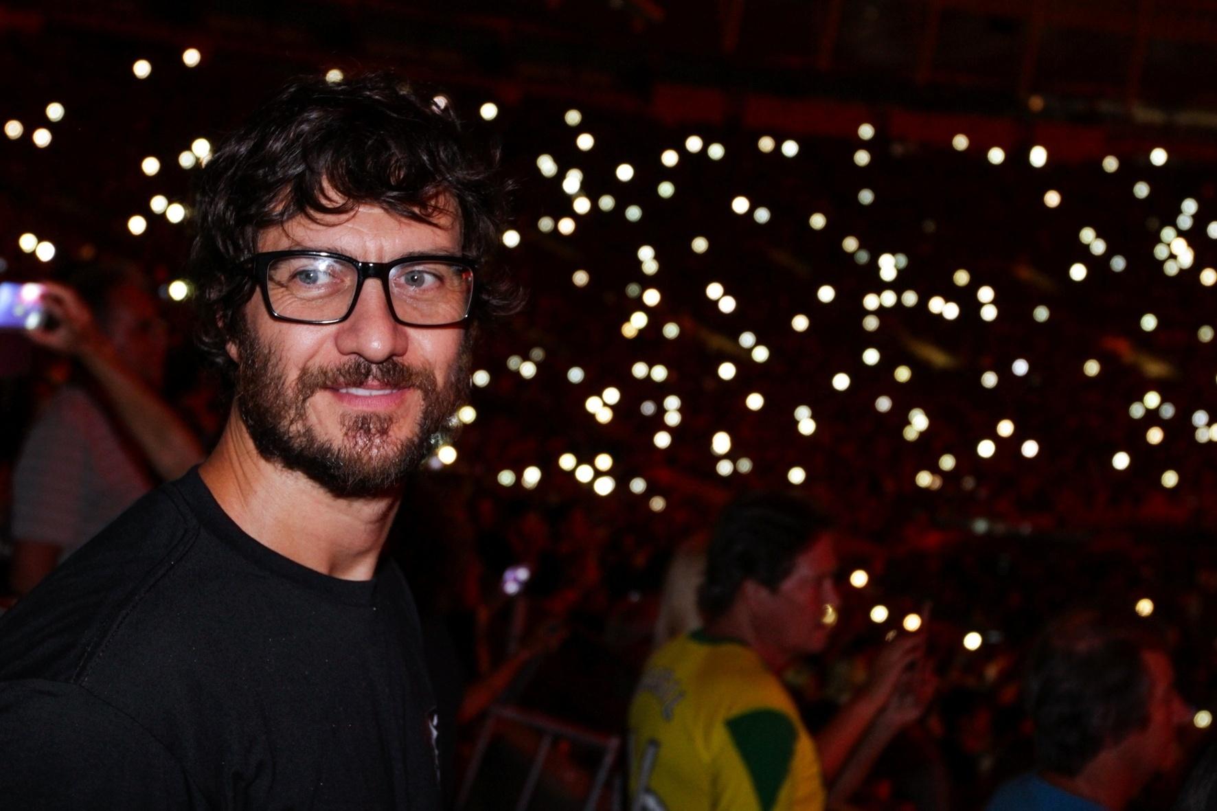 20.fev.2016 - O ator Gabriel Braga Nunes assistiu ao show dos Rolling Stones no Maracanã, no Rio