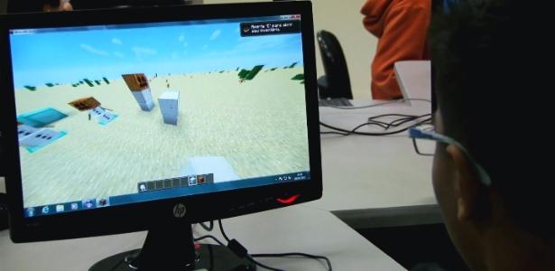 """Jovem estudante de São Paulo usa """"Minecraft"""" para aprender programação - Pedro Henrique Lutti Lippe/UOL"""