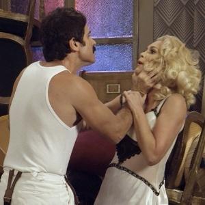 """Ernesto (Eriberto Leão) e Sandra (Flávia Alessandra) trocam ameaças na reta final de """"Êta Mundo Bom!"""" - Reprodução/Gshow"""