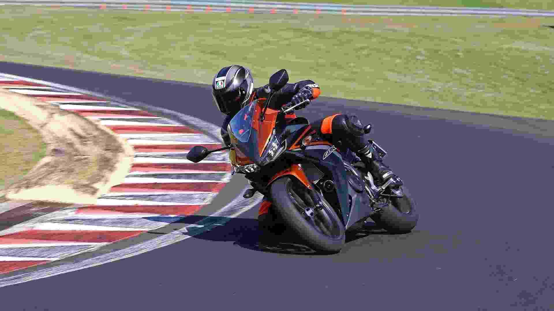 Honda CBR 500R 2017 - Divulgação
