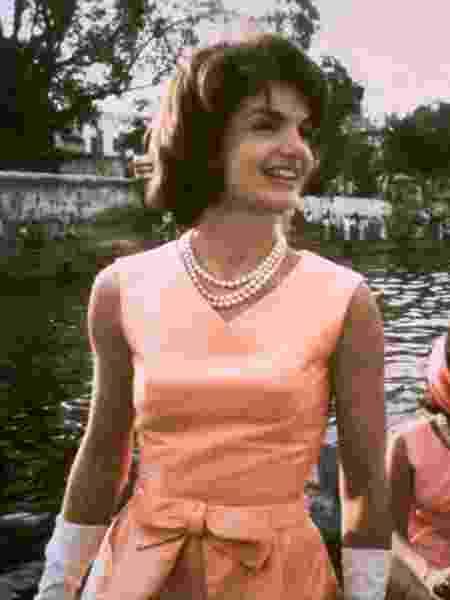 Jacqueline Kennedy, primeira-dama dos Estados Unidos, em foto na Índia, em 1962 - AFP