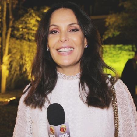 Still Carolina Ferraz para o vídeo de UOL ESTILO sovre chique ou cafona - TV UOL