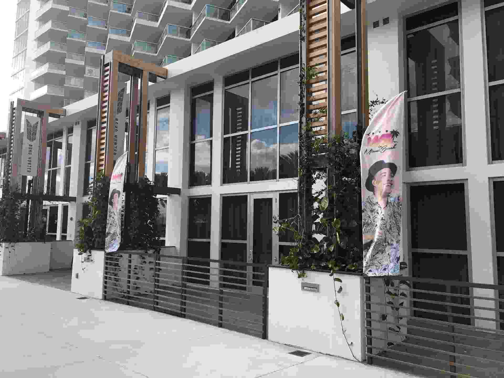 Fachada do Eden Roc Resort, onde Wesley Safadão gravará seu primeiro DVD internacional - Ederson Lima
