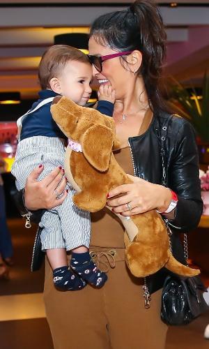 Suzana Alves com o filho