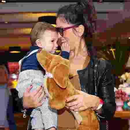 Suzana Alves com o filho, Benjamin, em São Paulo - Manuela Scarpa/Brazil News - Manuela Scarpa/Brazil News