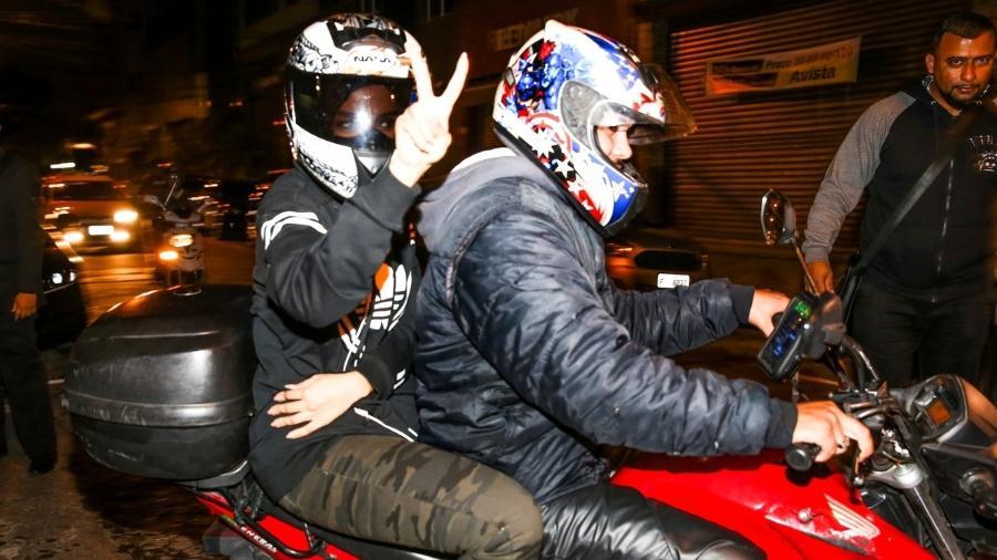 Depois de partipar de evento no Brás, Anitta vai de mototaxi para o aeroporto de Guarulhos - Manuela Scarpa/Brazil News