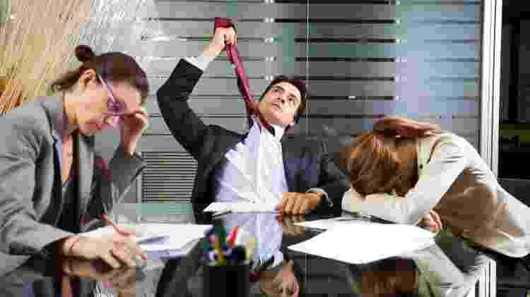 Equipe infeliz trabalho - iStock - iStock