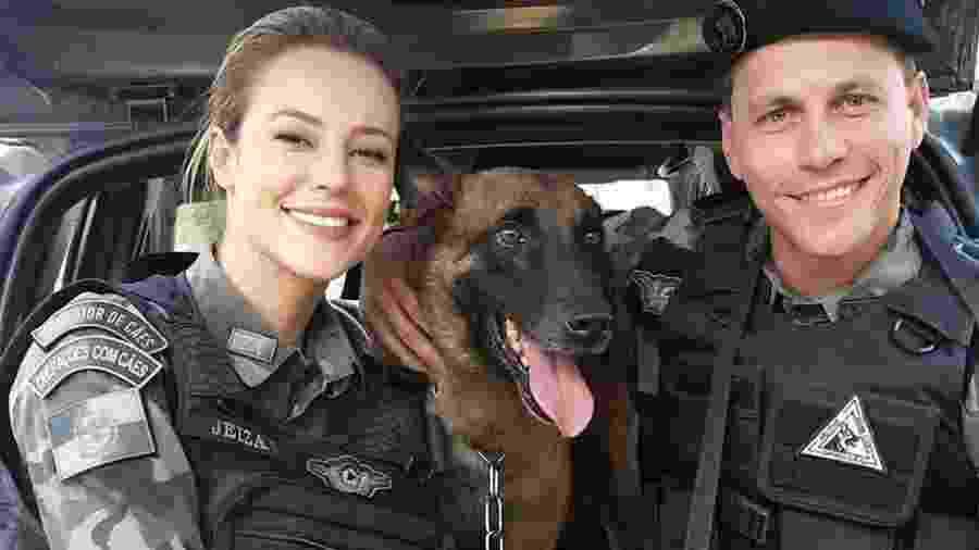 Well Aguiar com Paolla Oliveira e o cão policial Iron - Arquivo Pessoal