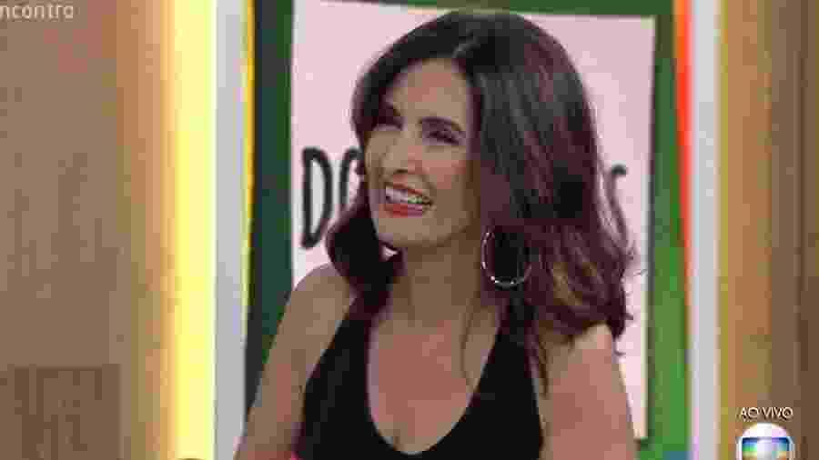 Fátima Bernardes sorri ao ouvir de Lair Ribeiro que está em uma ótima fase - Reprodução/TV Globo