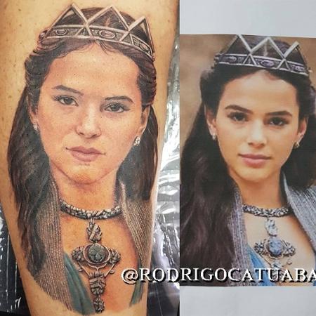 O rosto de Bruna Marquezine virou tatuagem - Reprodução/Instagram