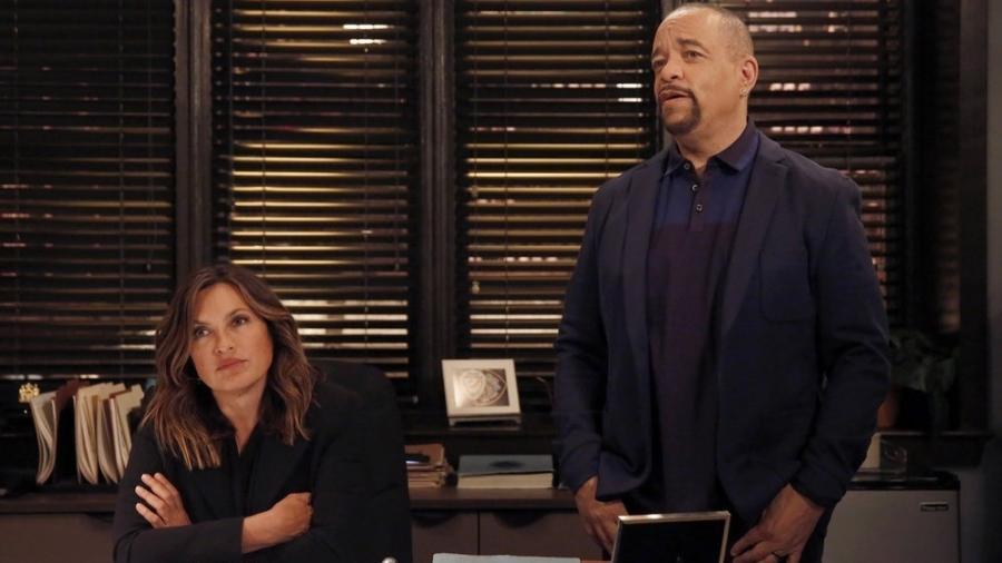 """Mariska Hargitay e Ice-T em cena de """"Law & Order: Special Victims Unit"""" - Reprodução"""