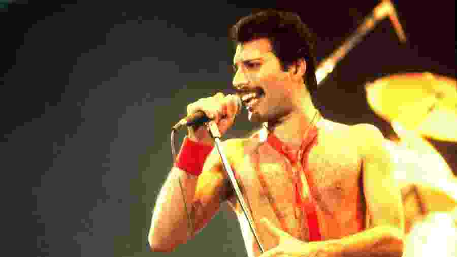 Freddie Mercury em show do Queen - Getty Images