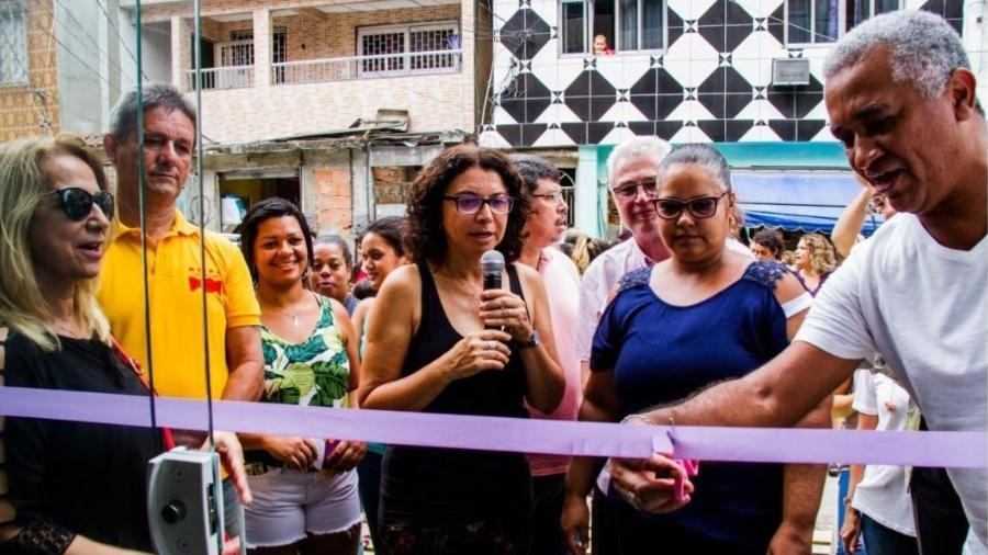 A ativista Eliana Sousa Silva na aula inaugural das turmas de Educação de Jovens e Adultos, em 2018 - Elisângela Leite/Divulgação
