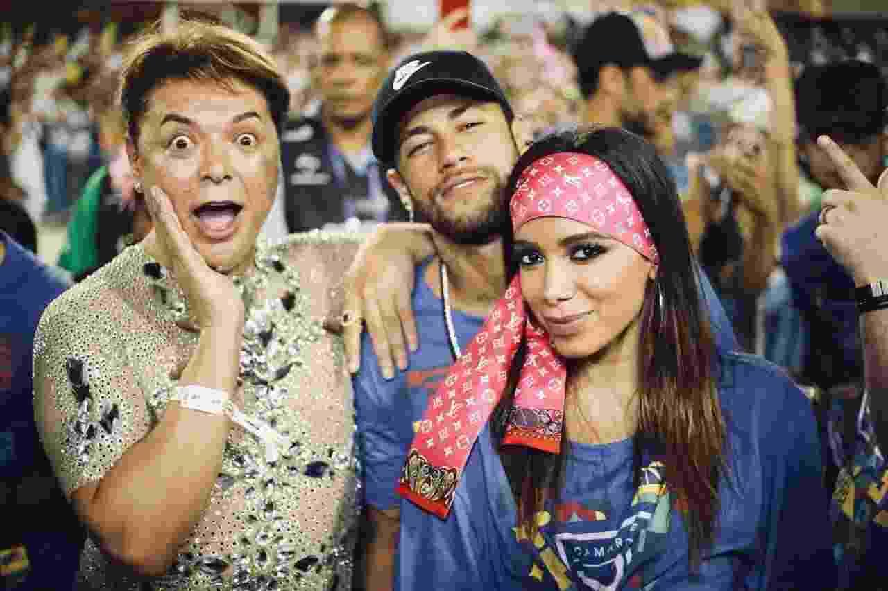 David Brazil, Neymar e Anitta posam para fotógrafos - Camarote Rio/ Divulgação