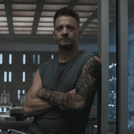 """Jeremy Renner, de """"Vingadores"""" - Reprodução/YouTube"""