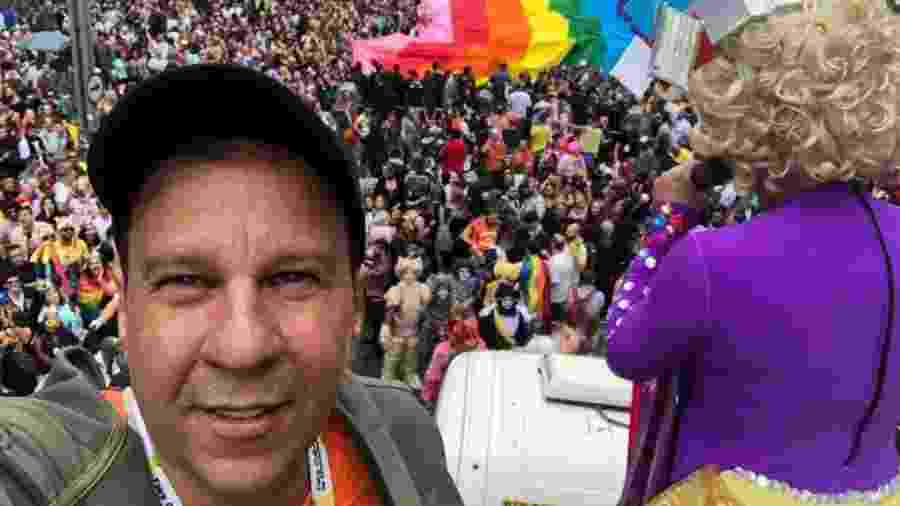 Nelson Matias Pereira, na foto durante a Parada de 2016, é um dos organizadores do evento - Arquivo pessoal