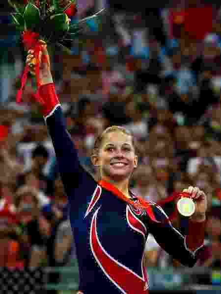 A ginasta em 2008, no pódio - Reprodução/Instagram
