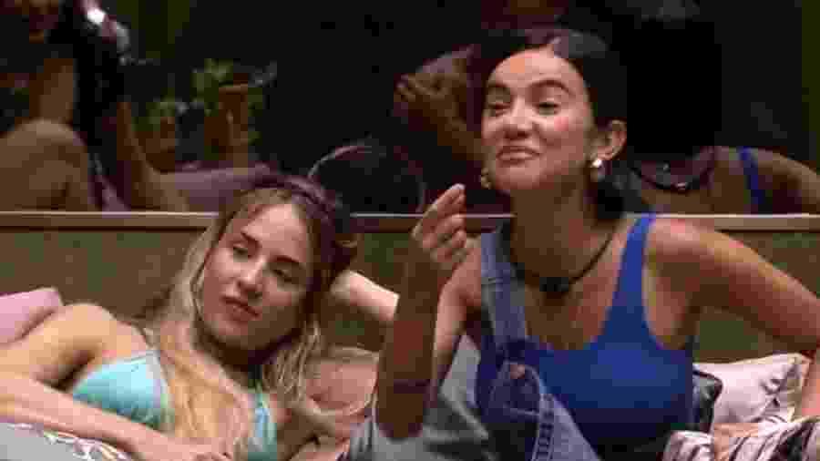 Manu falando de Gossip Girl - Reprodução/Globoplay