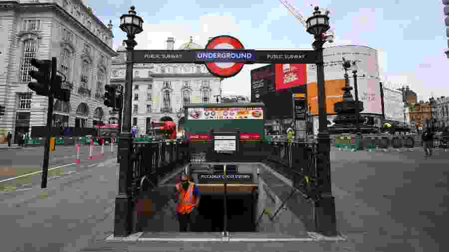 Entrada para a estação Piccadilly Circus, em Londres - Getty Images
