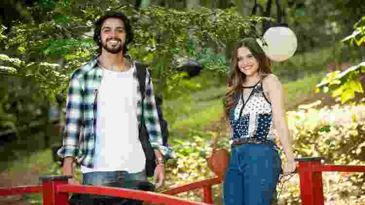 Luna (Juliana Paiva) e Alejandro (Rodrigo Simas) em 'Salve-se Quem Puder' - Globo/João Miguel Júnior - Globo/João Miguel Júnior