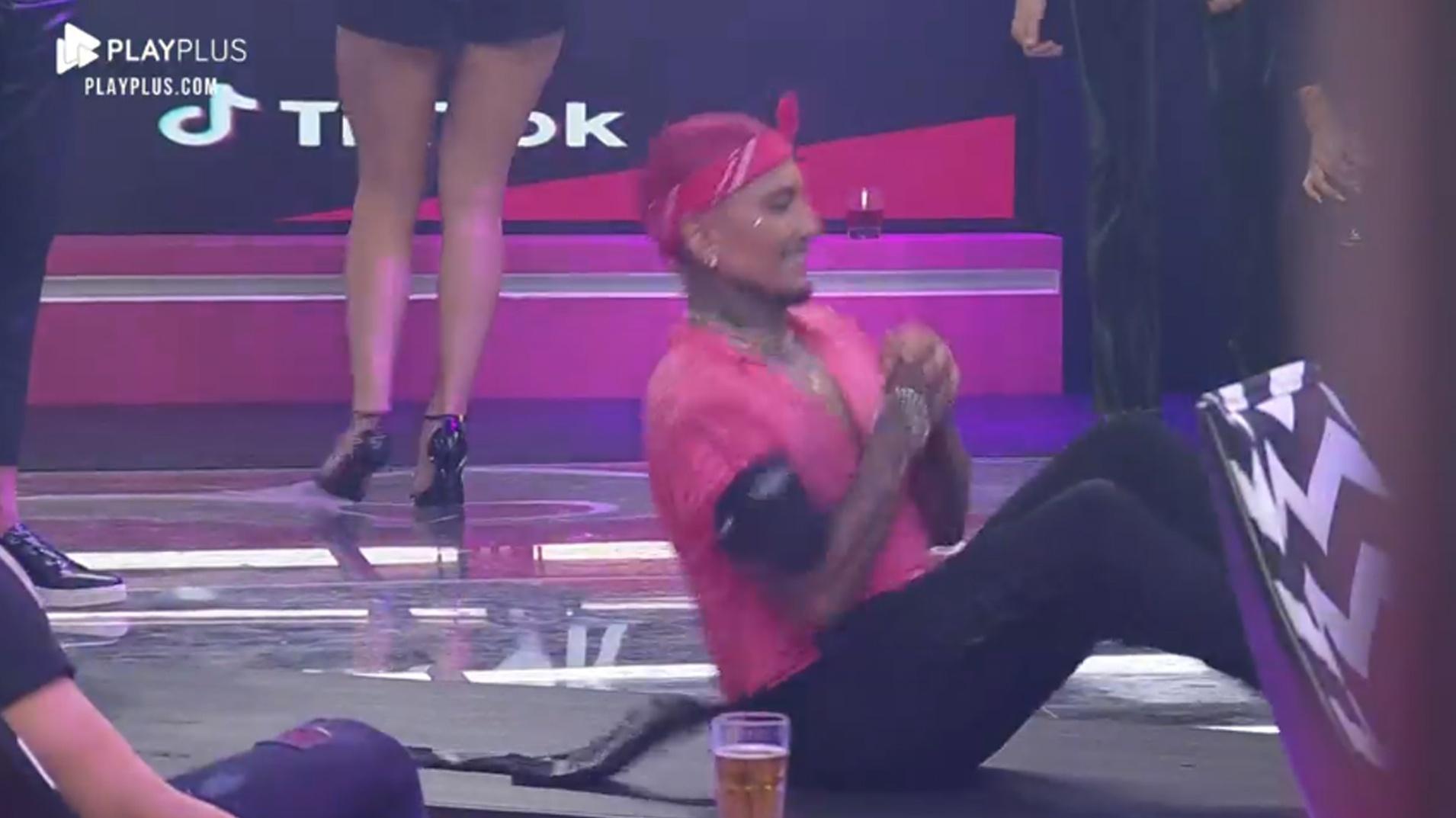 A Fazenda 2021: Dynho Alves trae un espectáculo de baile en la fiesta - clon / Playplus