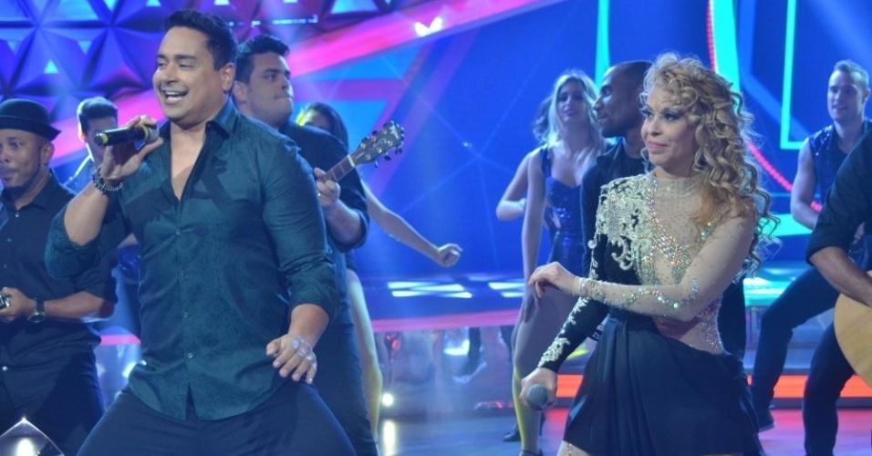 26.ago.2015- Joelma dança durante apresentação de Xanddy, do Harmonia do Samba