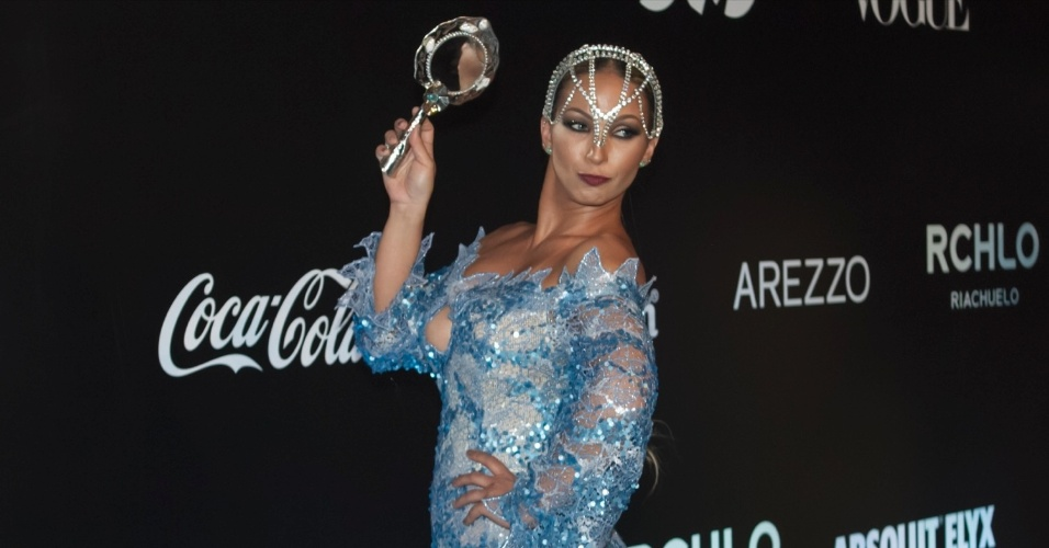 28.jan.2016 - Valesca Popozuda no Baile da Vogue com tema Pop África, em São Paulo