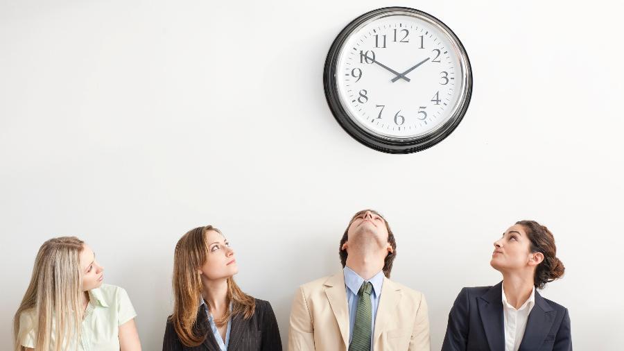 Mantenha o comprometimento; passar o dia de olho no relógio só vai fazer o tempo correr mais lento para você - Getty Images
