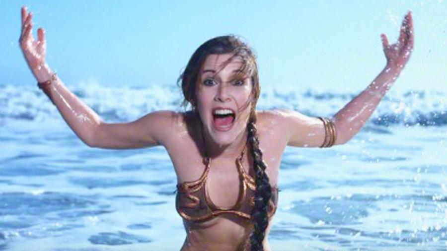"""A atriz Carrie Fisher faz ensaio na praia como a princesa Leia de """"Star Wars"""" - Reprodução"""