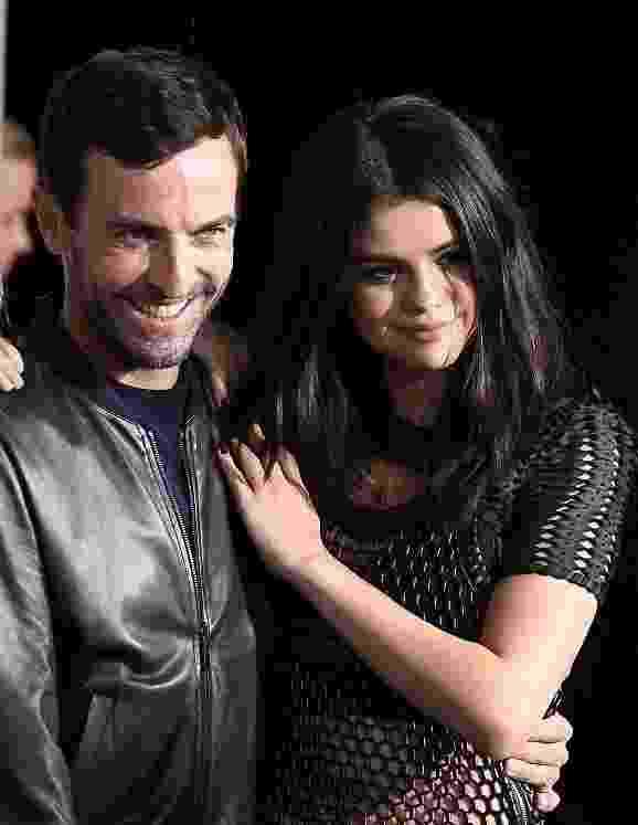 Selena Gomez e Nicolas Ghesquiere - Getty Images