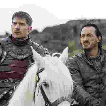 """Jaime Lannister e Bronn em foto do quarto episódio da sétima temporada de """"Game of Thrones"""", """"The Spoils of War"""" - MACALL B. POLAY/HBO"""