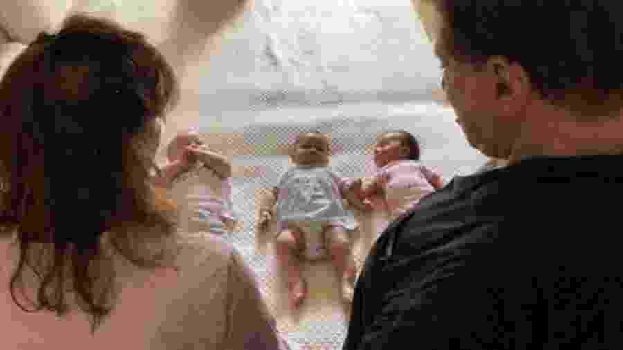 Silvio Santos e Iris Abravanel admiram os netos - Reprodução/Instagram/danielabeyruti
