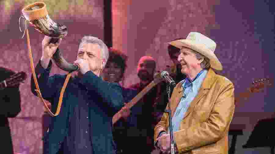 """Sérgio Reis no """"Conversa com Bial"""", um dos programas da Globo qye vem perdendo a liderança para o SBT - Globo/Fábio Rocha"""