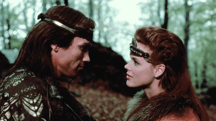 """Arnold Schwarzenegger e Brigitte Nielsen em cena de """"Guerreiros de Fogo"""" - Reprodução - Reprodução"""