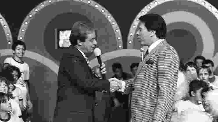 Gugu Liberato e Silvio Santos se cumprimentam no SBT - Moacyr dos Santos/SBT