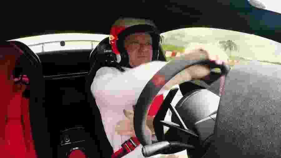 """Barrichello bateu raríssimo Lamborghini Gallardo Super Trofeo no canal """"Acelerados"""" - Reprodução"""