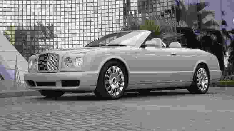 Azure Mulliner era o típico conversível ostentação da Bentley - Divulgação